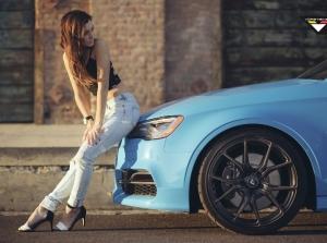 Sky Blue Audi S3 rực rỡ bên mẫu Cali