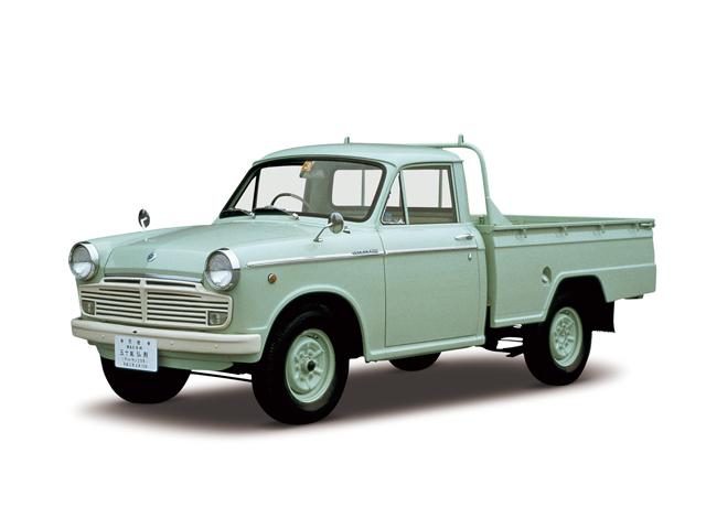 1964 Datsun Truck 1200 Deluxe - Máy E1 (4-cyl. in line, OHV), 1,189cc, 40kW (55PS)