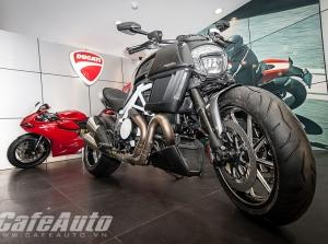 Ngắm Ducati Diavel Carbon trắng tại Việt Nam
