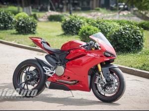 Diện kiến Ducati 1299 Panigale S giá 1 tỷ đồng tại Việt Nam