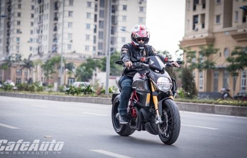 Cầm cương mãnh thú Ducati Diavel độ Carbon