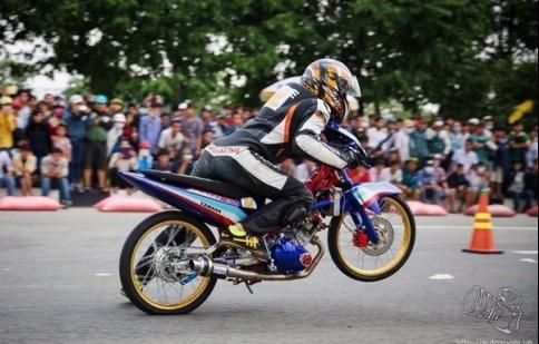 Bát nháo... giải đua Drag đầu tiên tại Việt Nam