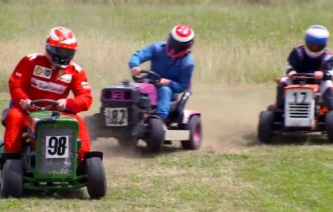 Siêu sao F1 thử sức với đường đua cắt cỏ