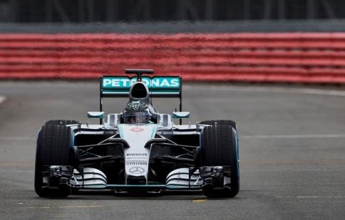 Mercedes lên kế hoạch vô địch F1 2015