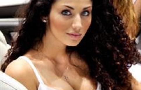 Người đẹp sexy ở triển lãm ôtô 2011