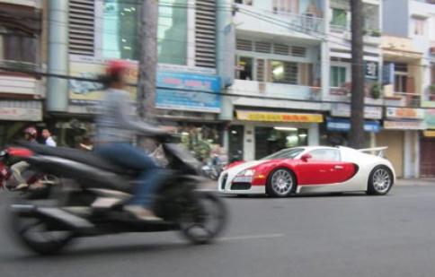 Bugatti Veyron ở Việt Nam lên báo nước ngoài