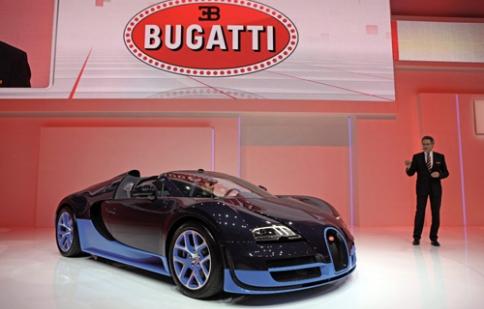 Ảnh 'sống' đầu tiên của Bugatti Veyron Grand Sport Vitesse