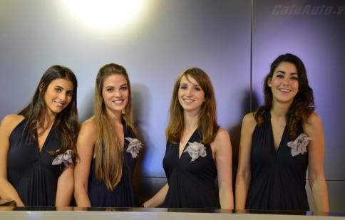 Người đẹp khoe sắc tại Paris Motor Show 2012