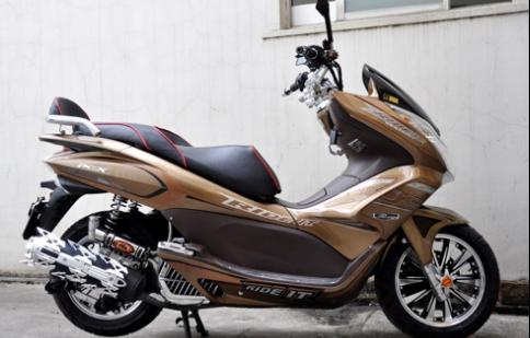 'Biến hình' cho Honda PCX tại Việt Nam
