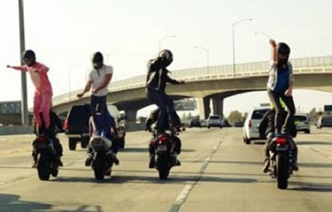 Sự kết hợp thú vị giữa Harlem Shake và motor