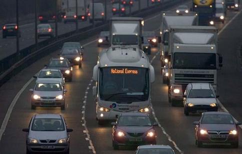 Nước Anh cấm xe sử dụng xăng dầu vào năm 2040