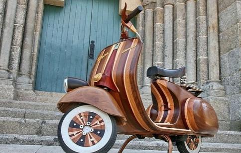 Vespa bằng gỗ không chỉ nằm trong viện bảo tàng