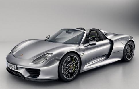 Cận cảnh Porsche 918 Spyder từ trong ra ngoài