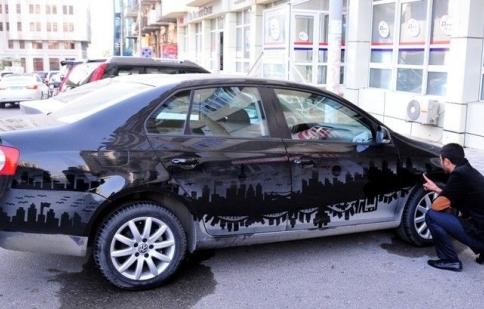 Ngạc nhiên từ xe bẩn biến thành tác phẩm nghệ thuật