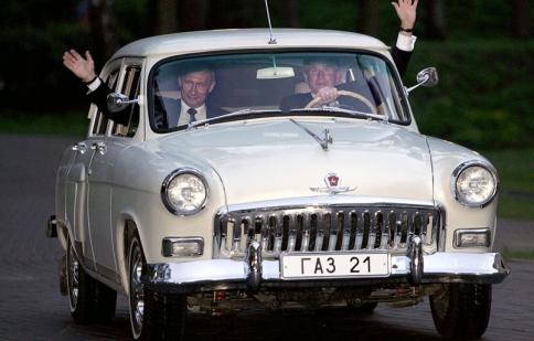 Vladimir Putin và niềm đam mê với xe Nga