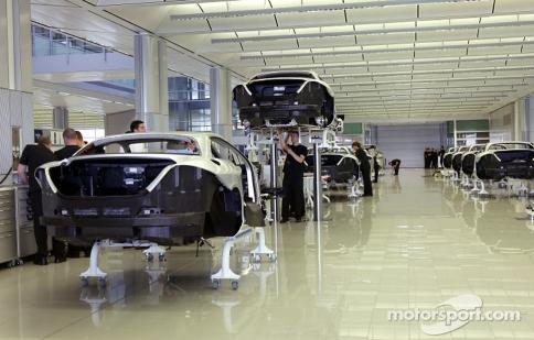 McLaren mở cửa với ứng dụng Google Street View