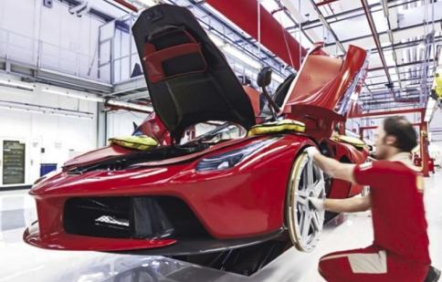 Khám phá dây chuyền sản xuất Ferrari LaFerrari qua ảnh