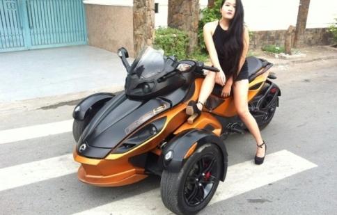 Nữ biker Sài thành 9 năm chơi xe phân khối lớn