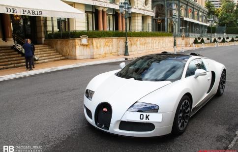 Bugatti Veyron Grand Sport Sang Blanc tái xuất sau tai nạn