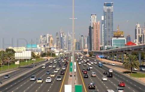 Dubai cấm người nghèo mua xe