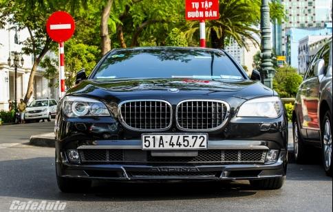 Xế độ BMW Alpina B7 trên đường phố Sài Gòn