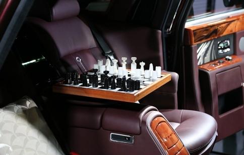 """Ngắm độ sang của Rolls-Royce """"bàn cờ Trung Quốc"""""""