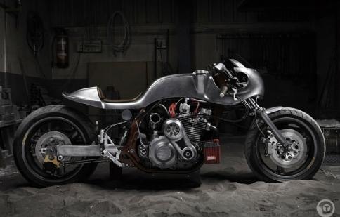 Valtoron La Bestia Z1000r: tuyệt phẩm độ xe đương đại
