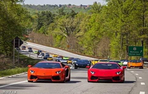 56 siêu xe Lamborghini quần tụ tại sự kiện Best of BullFest 2014