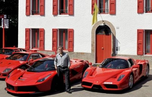 Đưa dàn siêu xe Ferrari đi sắm LaFerrari