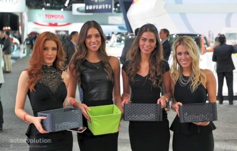 Detroit Auto Show 2015: Dàn người mẫu