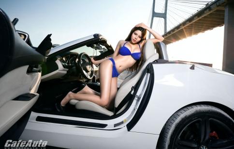 Người đẹp khoe đường cong nóng bỏng bên BMW Z4