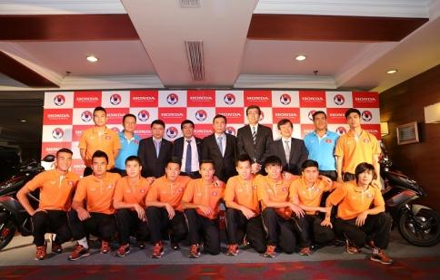 Honda tiếp tục tài trợ cho bóng đá Việt Nam