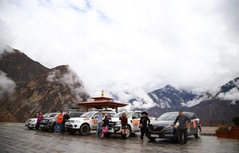Người Việt mang xe đi chinh phục Tây Tạng và Everest