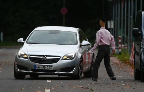 Opel giới thiệu hệ thống cảnh báo tai nạn mới
