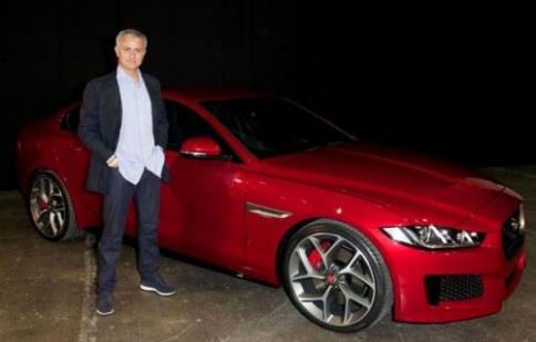HLV Mourinho cùng dàn xe đậm bản sắc châu Âu