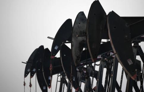 """""""Ông trùm"""" dầu mỏ bỏ qua sự đe dọa của xe điện"""