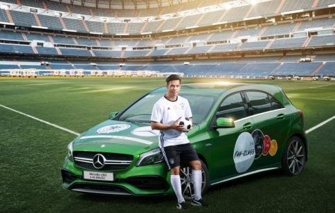 Trương Thế Vinh cổ động cho đội tuyển Đức tại EURO 2016