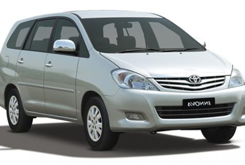 Toyota Innova GSR 2011 phiên bản 7 chổ