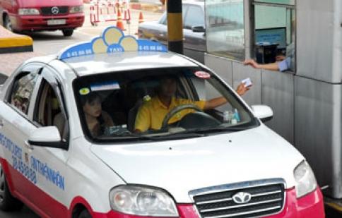 Đề xuất ô tô vào TP giờ cao điểm đóng 50.000 đồng/lượt