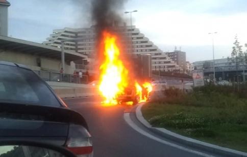 Lamborghini Gallardo bốc cháy tại Prague – Cộng Hòa Séc.