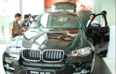 Nhập khẩu ô tô nguyên chiếc vượt 1 tỉ đô la Mỹ