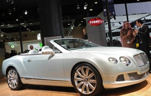 Bentley Continental GTC gây kinh ngạc tại triển lãm ôtô Qatar