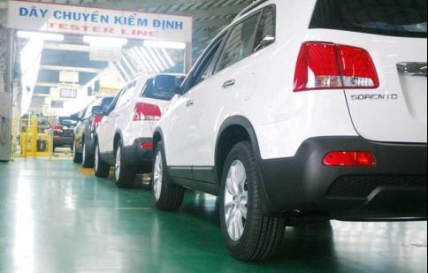 Thị trường ô tô giảm 60% trong tháng đầu năm