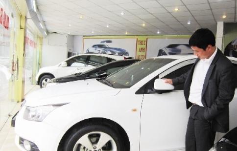 Thị trường ô tô:  Đóng băng vì thuế, phí