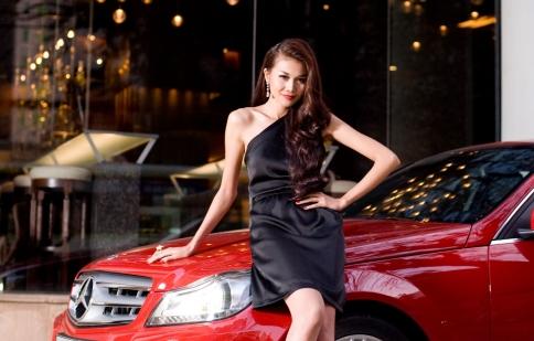 Câu chuyện phụ nữ và xe hơi Mercedes-Benz