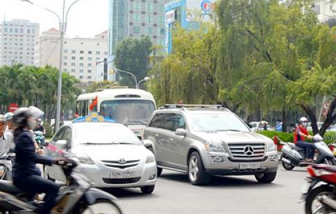 Thu phí ô tô lưu thông vào trung tâm TPHCM: Cần sự thống nhất và đồng thuận