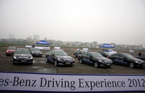 Mercedes-Benz Việt Nam huấn luyện lái xe an toàn