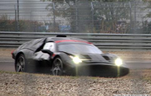 Tin đồn về thế hệ mới của Ferrari Enzo