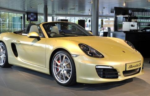 Porsche Boxster thế hệ thứ 3 được bán ra tại Anh