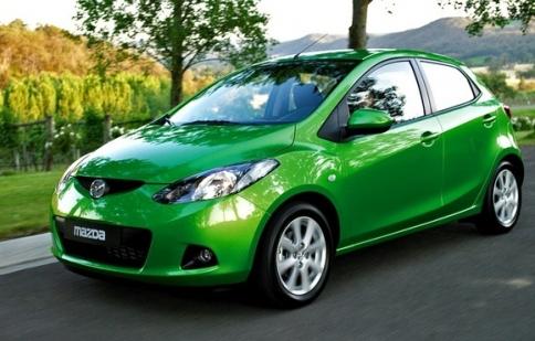 Vinamazda ưu đãi khách hàng mua xe Mazda 2 và 3